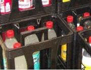 Caixes amb ampolles de plàtic