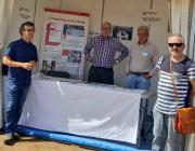 Quatre membres de la FAVV a la paradeta d'una mostra