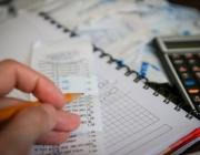 Comptes, calculadora i bolígraf