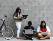 Participants de la primera edició de la formació en desenvolupament web de Factoría F5