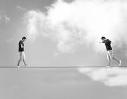 Persones fent equilibris. Font: Cobca (Flickr)