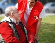 """""""Mai caminareu sols"""", una campanya per promoure el voluntariat per ajudar la gent gran"""