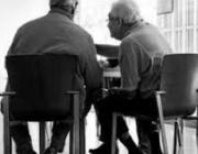 Dos persones grans