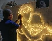 Creant llums de Nadal per als carrers del Raval