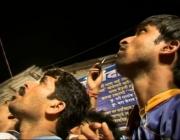 Espectadors de Mumbai contemplant un castell de la colla de Vilafranca