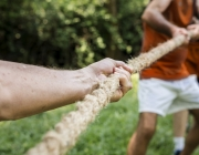 Hi ha interessos de conflicte quan es pot prioritzar l'interès personal per sobre del fundacional. Font: Unsplash.
