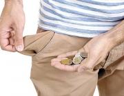 Butxaca buida i mà amb monedes. Font: vesconews.com