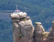 Minyons de Terrassa al cim de la Castellassa