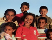 Nens i nenes Sahrauís amb un gran somriure