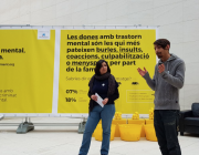 """Un dels estands mòbils de la campanya """"Parlem Obertament""""."""