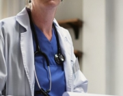 El recurs 'Obrim les portes' és una eina pràctica de sensibilització que ofereix idees i recursos adreçats a professionals de l'àmbit de la salut.  Font: Fundació Surt