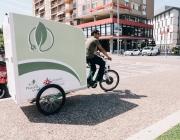 Càritas i Ecosol amplien el servei de missatgeria sostenible amb la col·laboració de Seur