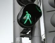 Caminar és, evidentment, la manera més sostenible de moure's. Font: JESHOOTS.com (Pexels)