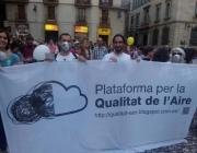 Manifestació de membres de la plataforma a la Plaça de Sant Jaume