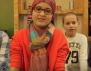 """Polseres Candela. Captura del vídeo """"Pulseras Candela"""". Font: Canal de Youtube de la iniciativa"""