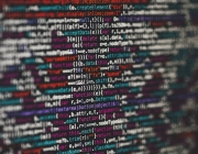 La llei de protecció de dades obliga a complir amb unes mesures de seguretat en funció del risc de les dades que tracti l'entitat. Font: Unsplash