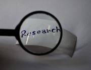 """Lupa amb el text """"Reseacrh"""". Font: pixabay.com"""