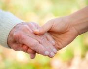 Atenció a les persones grans. Font: web de la residència Làia