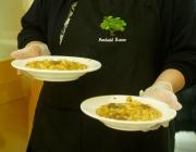 El menjador social ofereix està obert de dilluns a diumenge.