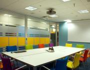 Sala de reunions. Font: actiu oficinas (Flickr)