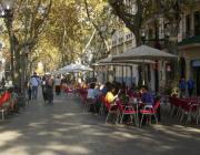 Les terrasses ocupen la via pública.