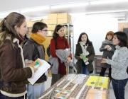 Assistentes a la Fira del Voluntariat Internacional. Font: Lafede.cat