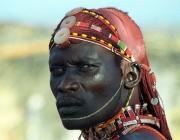 Imatge d'un home d'una tribu de Kenya.