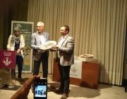 L'alcalde Juli Fernández amb premiats del Vè Memorial Àlex Seglers. Font: Twitter