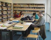 Estudiants a la Biblioteca de la Universitat Autònoma de Barcelona