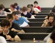 Estudiants universitaris durant una classe a la UPF. Font: UPF