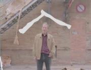 """Fotograma del """"vídeo viral més avorrit del món"""" d'Arrels Fundació"""