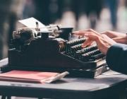 Els relats guanyadors es publicaran en format digital a la pàgina web de la Fundació Arnau d'Escala. Font: Unsplash.