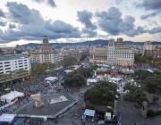 L'Associa't a la festa se celebra durant la Mercè a la plaça de Catalunya.