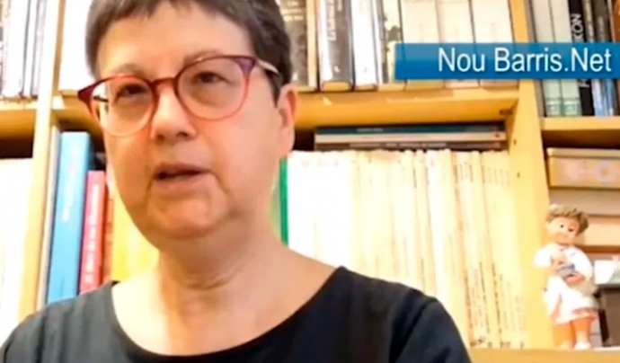 """LaPili és la farmacèutica de la Gisela, i fotògrafa del col·lectiu9 Barris Imatge. Explica a NouBarris.net com és estar en una """"zona zero"""" de la crisi sanitària. NouBarris.net Font: NouBarris.net"""