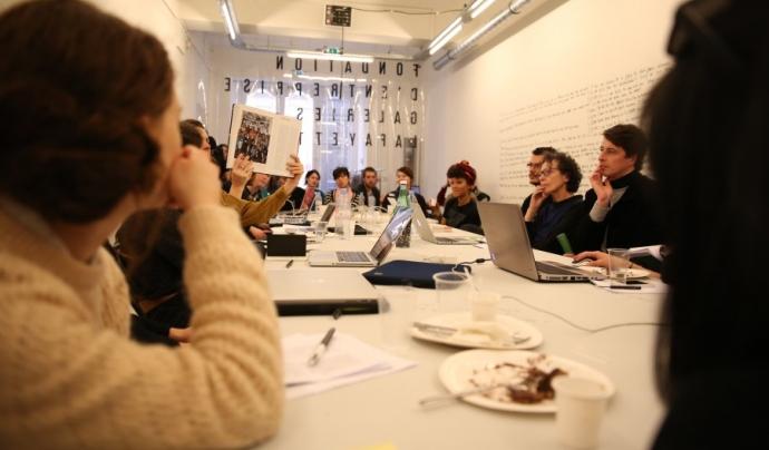 Editatona sobre art i feminisme a Paris. Font: Art+Feminism (Facebook)