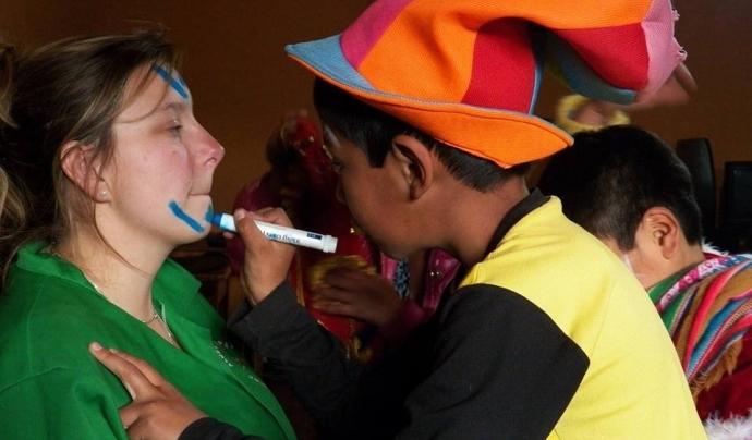Voluntària en un projecte a Perú Font: ONG Voluntariado