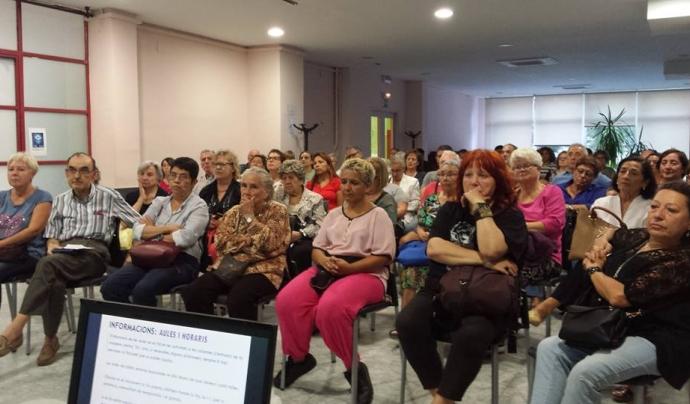 Assemblea a l'Escola d'Adults de La Verneda - Sant Martí Font: Escola d'Adults de la Verneda - Sant Martí