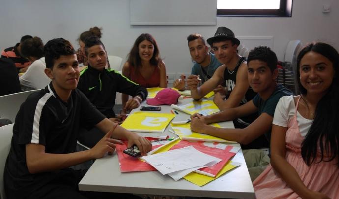 Activitat amb joves de l'associació ABD Font: ABD