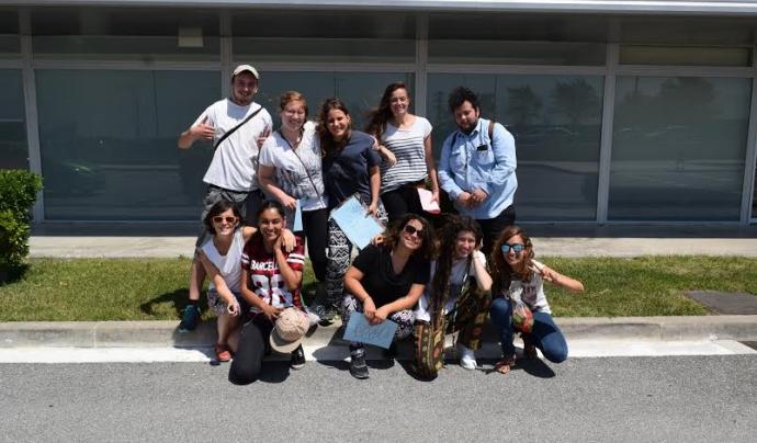 El grup de voluntaris i voluntàries que participen al camp de treball està format per joves d'arreu del món.  Font: SCI Catalunya