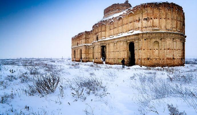 Vista d'hivern del Monestir de Chiajna, als afores de Bucarest, per Mihai Petre