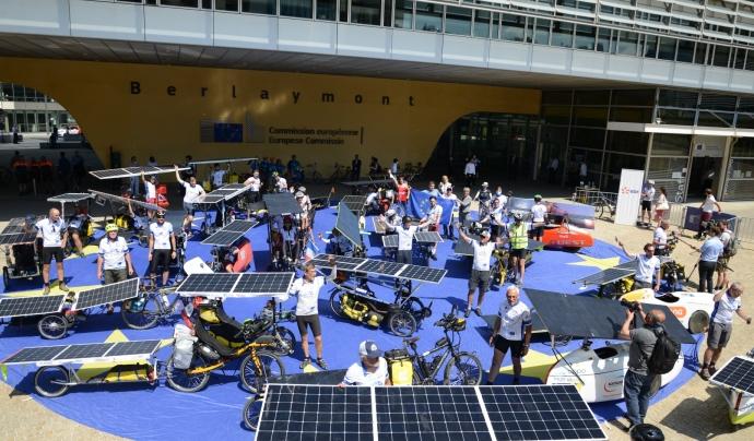 L'expedició 2021 va sortir el 16 de juny des de la seu de la Comissió Europea a Brussel·les. Font: The Sun Trip