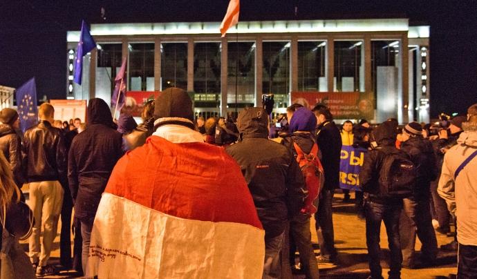 Una manifestació a la plaça d'Octubre de Minsk després de les últimes eleccions acusades d'haver estat arreglades. Font: Marco Fieber | ostblog.org (CC BY-NC-ND 2.0)