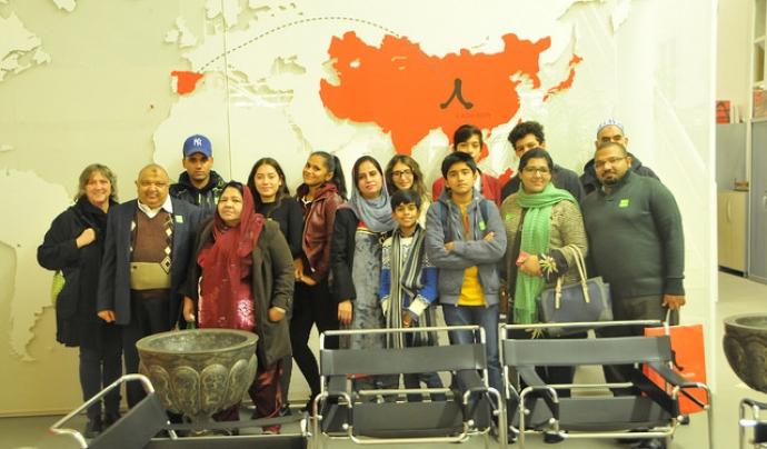 """Projecte """"Aprenem. Famílies en xarxa"""" de Casa Àsia Font: Casa Àsia (Flickr)"""