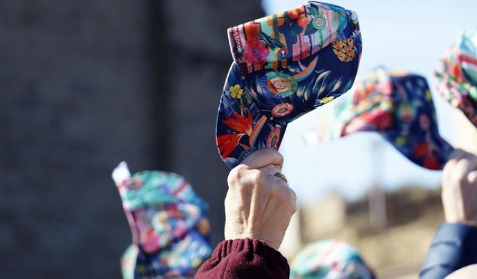 Agatha Ruiz de la Prada ha creat el disseny de la gorra. Font: AFANOC