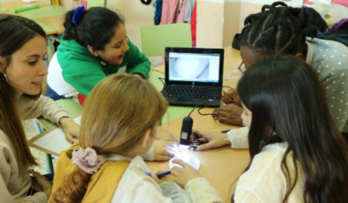 El programa CROMA pretén acompanyar en el seu aprenentatge a infants d'entorns vulnerables.  Font: FAS