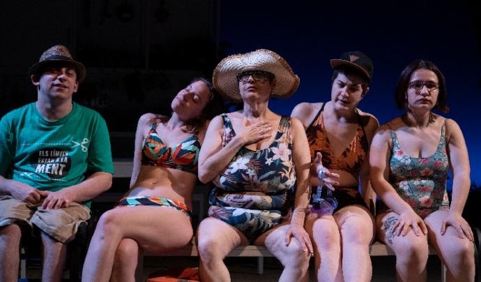 Imatge de l'espectacle 'Mare de sucre', de Clàudia Cedó. al Teatre Nacional de Catalunya (TNC) Font: May Zircus