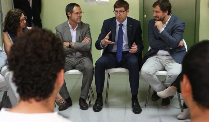 Els consellers de Salut i Justícia, reunits al Centre Penitenciari Brians 1 amb professionals i interns Font: Generalitat de Catalunya
