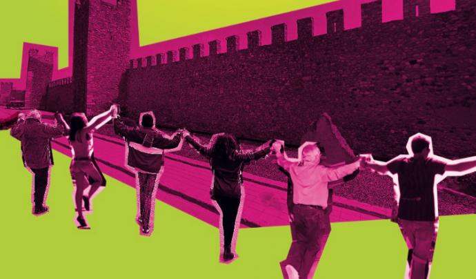 Caldran unes 1.500 persones per poder encerclar la muralla Font: Montblanc, Capital de la Sardana 2018
