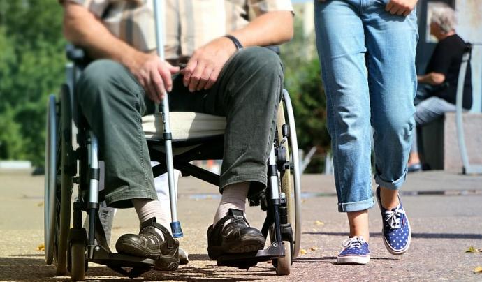 L'entitat ASPID reclama més accessibilitat als carrers de Lleida. Font: Piqsels