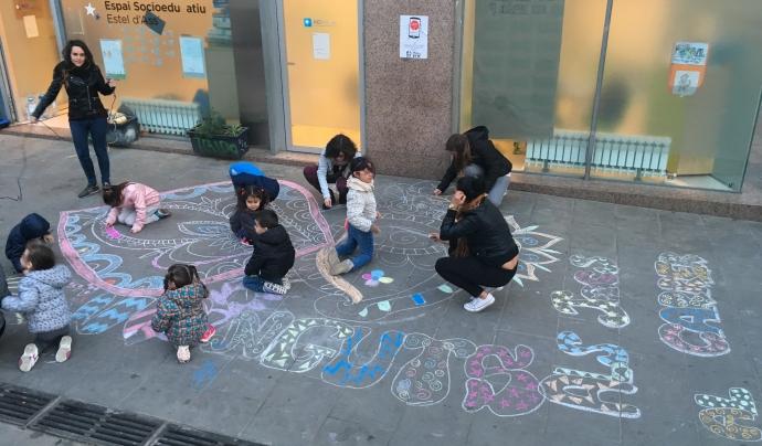 Jocs al carrer, una activitat d'AEIRaval Font: AEIRaval